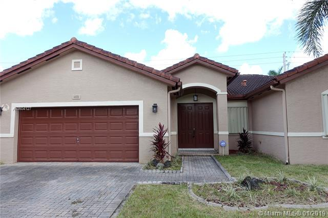 14221 SW 288th Ter, Homestead, FL 33033 (MLS #A10604127) :: Green Realty Properties
