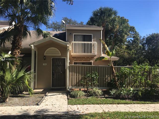 7156 Sportsmans Dr #7156, North Lauderdale, FL 33068 (MLS #A10604161) :: Green Realty Properties
