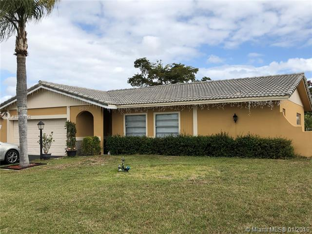 3831 NW 78th Ln, Coral Springs, FL 33065 (MLS #A10604190) :: Green Realty Properties