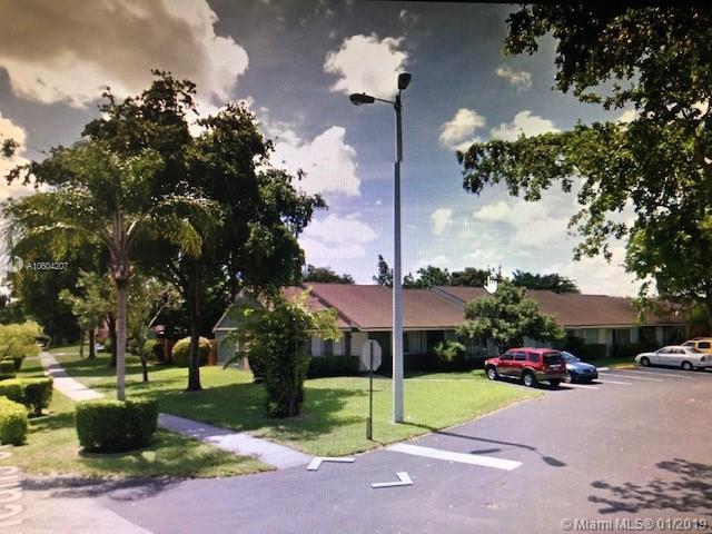 4715 Orleans Ct C, West Palm Beach, FL 33415 (MLS #A10604207) :: Laurie Finkelstein Reader Team