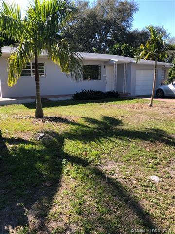 230 NE 165th St, Miami, FL 33162 (MLS #A10604249) :: The Teri Arbogast Team at Keller Williams Partners SW