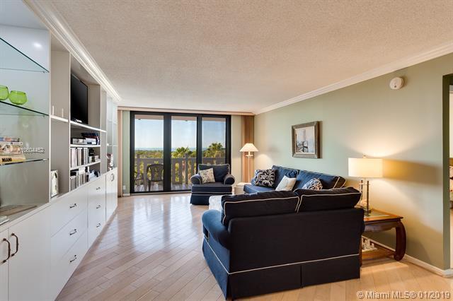 1111 Crandon Blvd B703, Key Biscayne, FL 33149 (MLS #A10604452) :: Carole Smith Real Estate Team