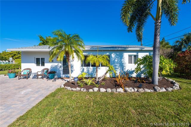 601 NE 59th Ct, Oakland Park, FL 33334 (#A10604537) :: RE/MAX Associated Realty