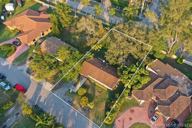 6255 SW 62nd Ct, South Miami, FL 33143 (MLS #A10604559) :: Carole Smith Real Estate Team