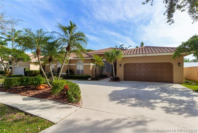 10750 Lisbon St, Cooper City, FL 33026 (MLS #A10604649) :: Carole Smith Real Estate Team
