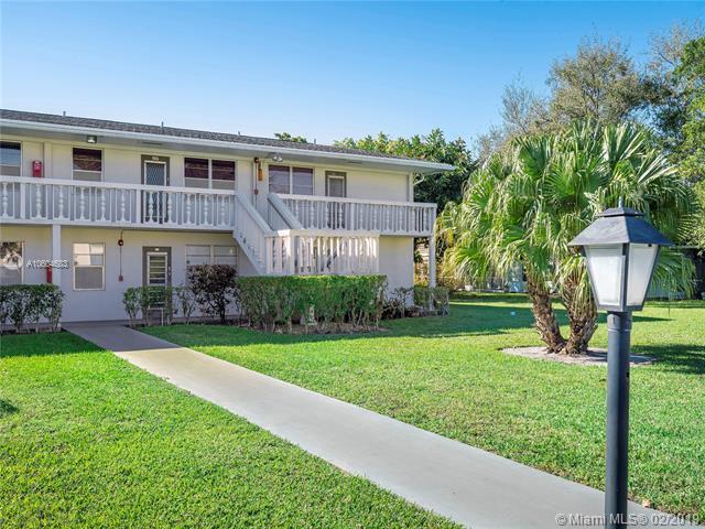 235 Newport O #235, Deerfield Beach, FL 33442 (MLS #A10604683) :: The Paiz Group