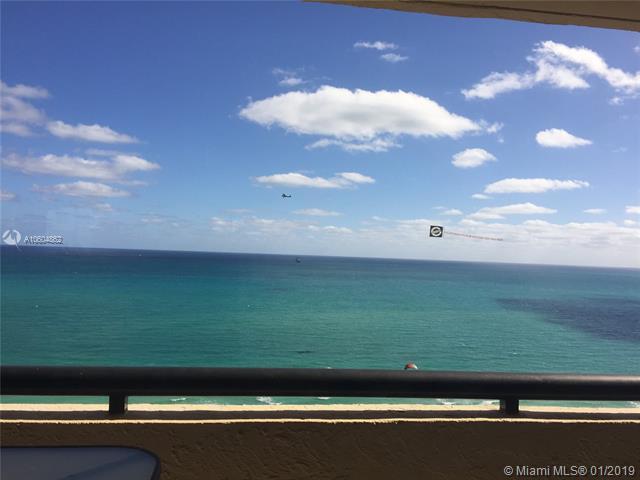 2555 Collins #1400, Miami Beach, FL 33140 (MLS #A10604862) :: Carole Smith Real Estate Team