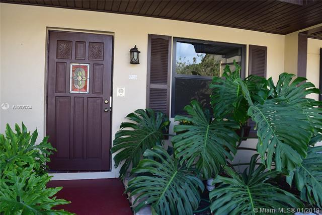 6667 Miller Dr #702, South Miami, FL 33155 (MLS #A10605004) :: Carole Smith Real Estate Team