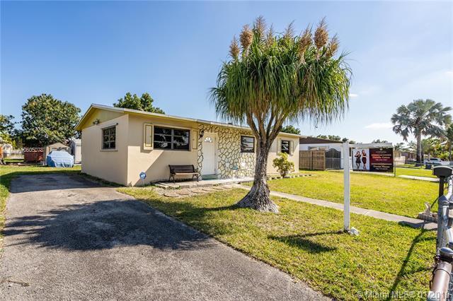 20111 SW 114th Ave, Miami, FL 33189 (MLS #A10605078) :: Carole Smith Real Estate Team