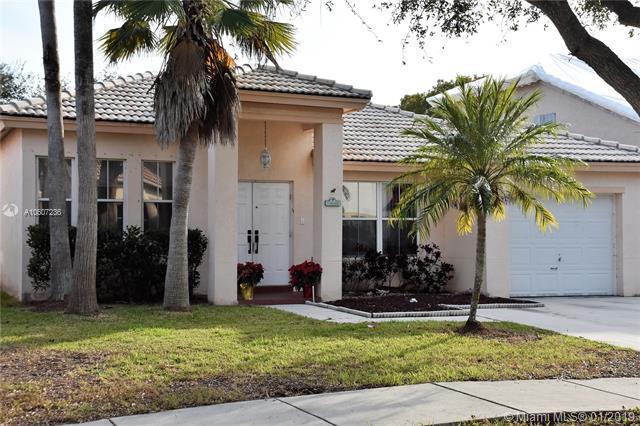 14096 S Cypress Cove Cir, Davie, FL 33325 (MLS #A10607236) :: Prestige Realty Group