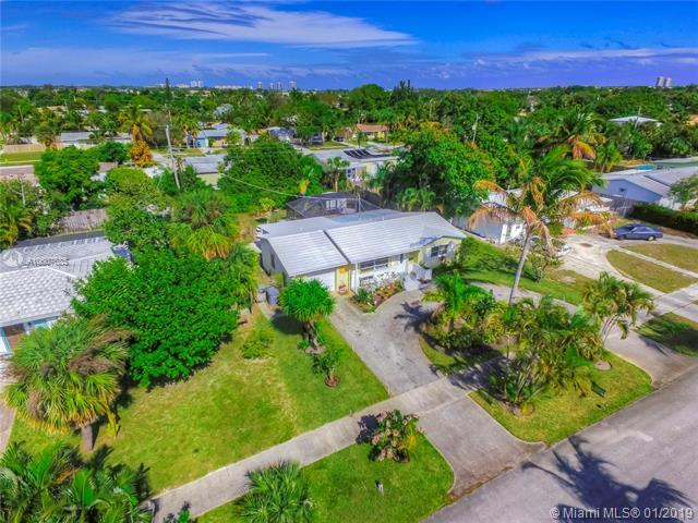 745 Hawthorne Dr, Lake Park, FL 33403 (MLS #A10607685) :: RE/MAX Presidential Real Estate Group