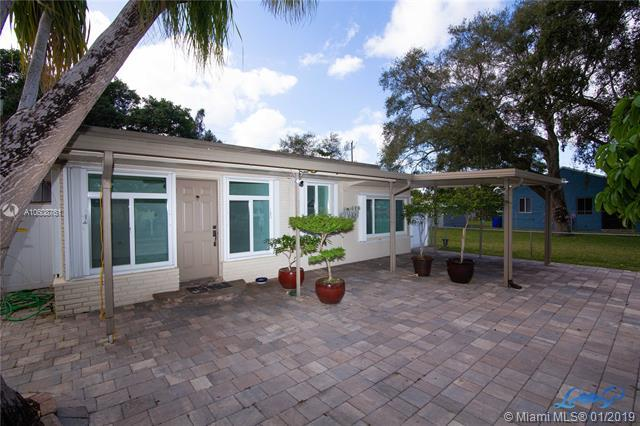 6120 Hayes St, Hollywood, FL 33024 (MLS #A10608761) :: RE/MAX Presidential Real Estate Group