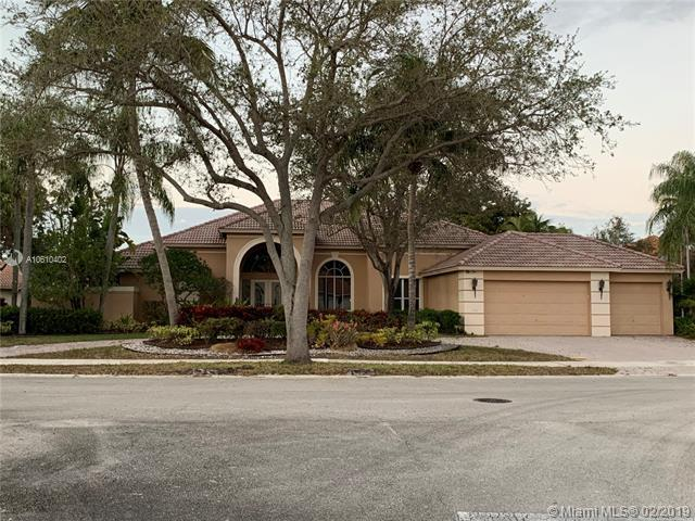 2978 Wentworth, Weston, FL 33332 (MLS #A10610402) :: Green Realty Properties