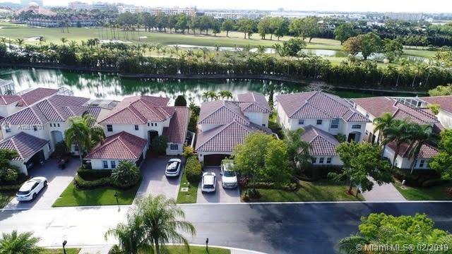4465 NW 93rd Doral Ct, Doral, FL 33178 (MLS #A10610701) :: Berkshire Hathaway HomeServices EWM Realty
