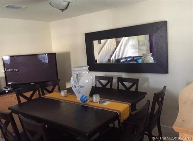 22501 SW 88th Pl 9-25, Cutler Bay, FL 33190 (MLS #A10611021) :: Green Realty Properties