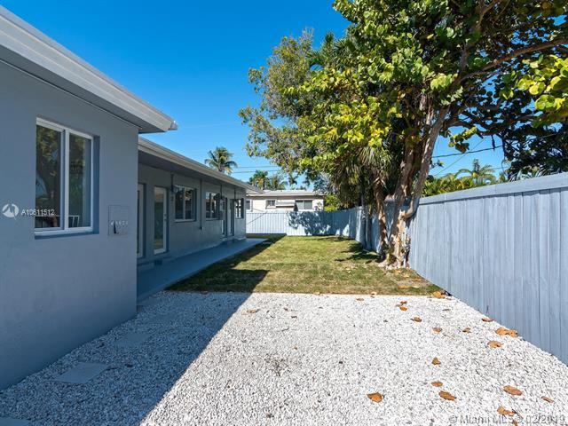 1081 NE 80th St, Miami, FL 33138 (MLS #A10611512) :: The Jack Coden Group