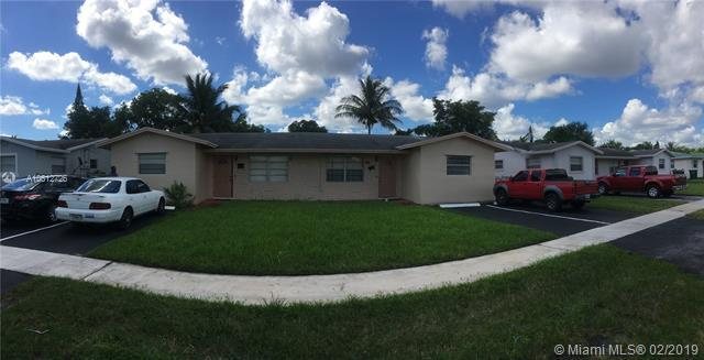 5310 NW 17th St, Lauderhill, FL 33313 (MLS #A10612726) :: The Paiz Group