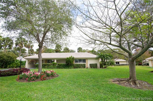 906 Cypress Grove Dr V-71, Pompano Beach, FL 33069 (MLS #A10613223) :: Grove Properties