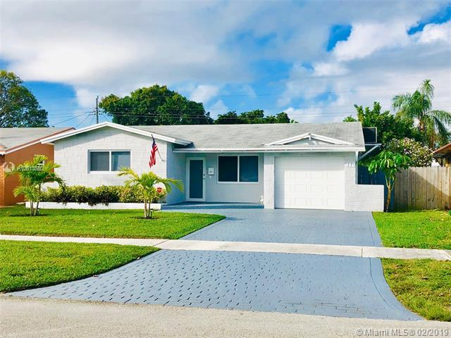 412 S Rainbow Dr, Hollywood, FL 33021 (MLS #A10613580) :: RE/MAX Presidential Real Estate Group