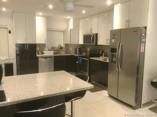 3177 S Ocean Dr #203, Hallandale, FL 33009 (MLS #A10613877) :: Ray De Leon with One Sotheby's International Realty