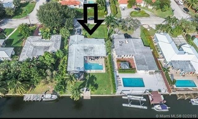 1030 NE 105th St, Miami Shores, FL 33138 (MLS #A10614410) :: Berkshire Hathaway HomeServices EWM Realty
