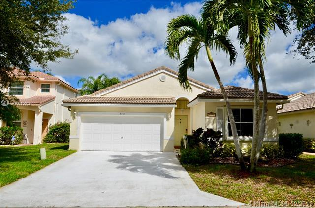 5415 NW 49th Ct, Coconut Creek, FL 33073 (MLS #A10615002) :: The Paiz Group