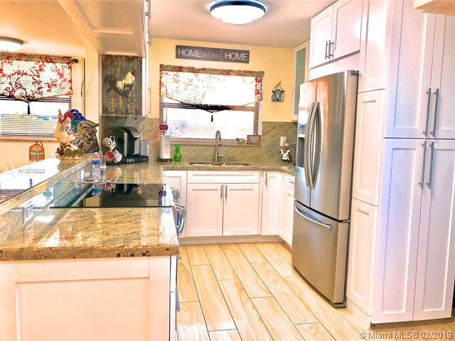901 Colony Point Cir #514, Pembroke Pines, FL 33026 (MLS #A10615624) :: Green Realty Properties