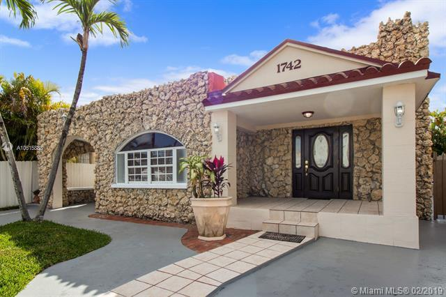1742 SW 11th St, Miami, FL 33135 (MLS #A10615883) :: Green Realty Properties