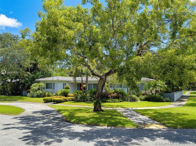 410 NE 94th St, Miami Shores, FL 33138 (MLS #A10616094) :: The Jack Coden Group
