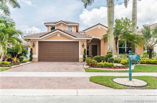 1831 Mariners Ln, Weston, FL 33327 (MLS #A10616144) :: EWM Realty International