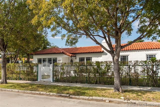 2286 SW 21st Ave, Miami, FL 33145 (MLS #A10616287) :: The Riley Smith Group
