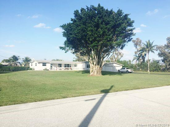 12401 SW 12th St, Davie, FL 33325 (MLS #A10616313) :: The Teri Arbogast Team at Keller Williams Partners SW