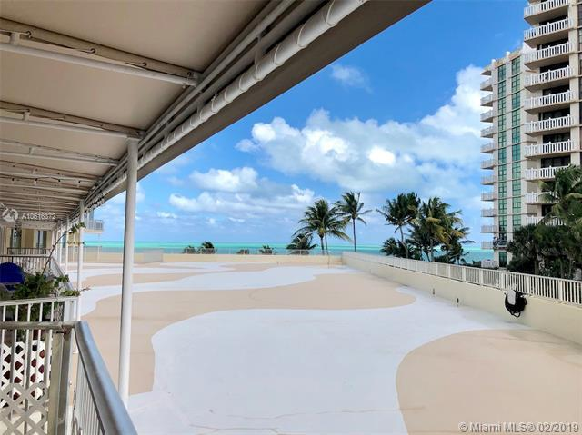 600 Grapetree Dr 3DS, Key Biscayne, FL 33149 (MLS #A10616372) :: The Riley Smith Group