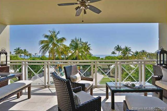 430 Grand Bay Drive #202, Key Biscayne, FL 33149 (MLS #A10616452) :: The Riley Smith Group