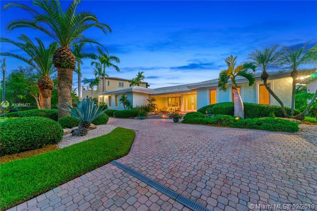 13080 Miranda St, Coral Gables, FL 33156 (MLS #A10616477) :: The Riley Smith Group