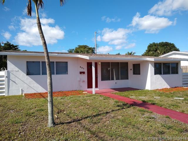 207 NE 16th Ave, Pompano Beach, FL 33060 (MLS #A10617629) :: The Paiz Group