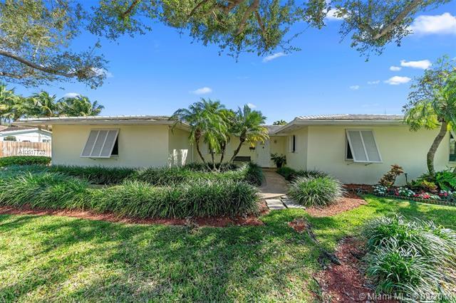 14945 SW 85th Ave, Palmetto Bay, FL 33158 (MLS #A10617720) :: Grove Properties