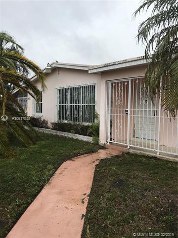 8001 SW 13 St, Miami, FL 33144 (MLS #A10617848) :: Miami Lifestyle