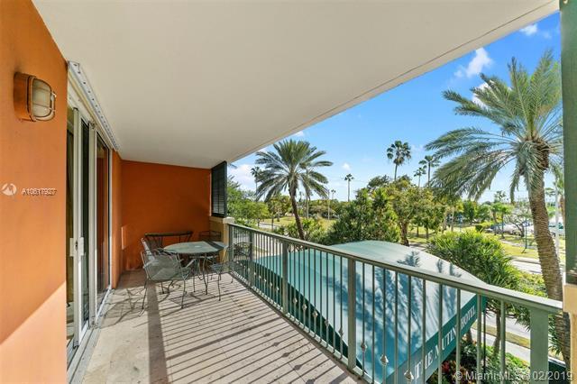 2951 S Bayshore Dr #302, Miami, FL 33133 (MLS #A10617927) :: Miami Lifestyle