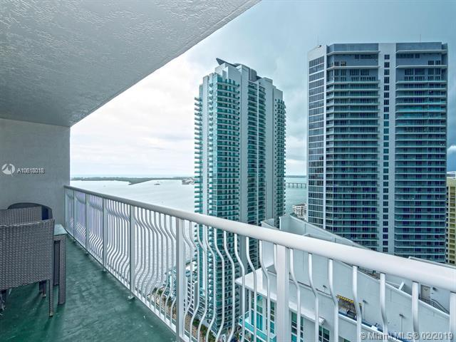 1200 Brickell Bay Dr #3409, Miami, FL 33131 (MLS #A10618018) :: ONE Sotheby's International Realty