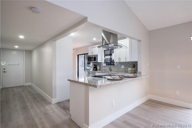 304 Fairway Cir #106, Weston, FL 33326 (MLS #A10618105) :: Green Realty Properties