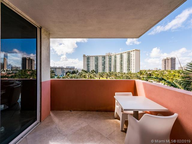 19333 Collins Ave #510, Sunny Isles Beach, FL 33160 (MLS #A10618294) :: Ray De Leon with One Sotheby's International Realty