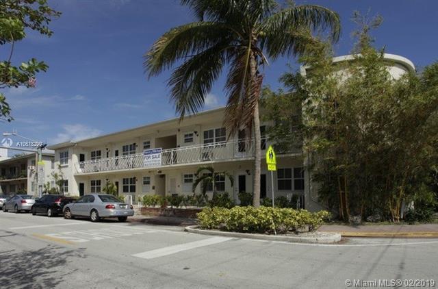 605 77th St, Miami Beach, FL 33141 (MLS #A10618299) :: The Paiz Group