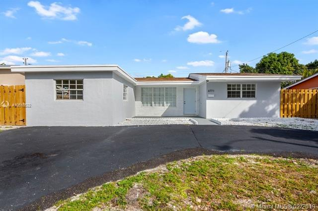 6771 Garfield St, Hollywood, FL 33024 (MLS #A10618522) :: Green Realty Properties