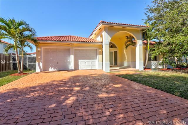 17340 SW 92nd Ct, Palmetto Bay, FL 33157 (MLS #A10618543) :: Grove Properties