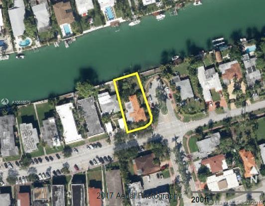 7300 Trouville Esplanade, Miami Beach, FL 33141 (MLS #A10618579) :: RE/MAX Presidential Real Estate Group