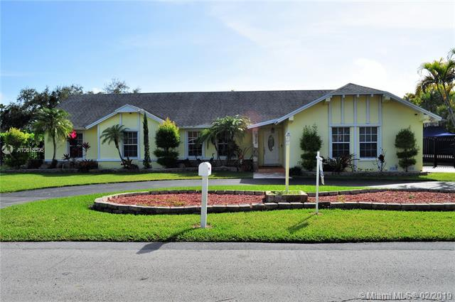 7560 SW 174 STREET, Palmetto Bay, FL 33157 (MLS #A10618596) :: Grove Properties