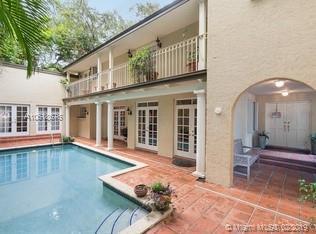 3585 Poinciana Ave, Miami, FL 33133 (MLS #A10618676) :: Miami Lifestyle