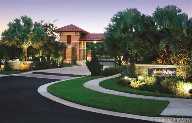 14243 S Jockey Cir S, Davie, FL 33330 (MLS #A10618990) :: Green Realty Properties