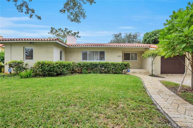 636 Majorca Ave, Coral Gables, FL 33134 (MLS #A10619241) :: The Riley Smith Group